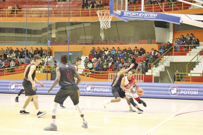 Nacional arranca ante Titanes la semifinal de básquetbol