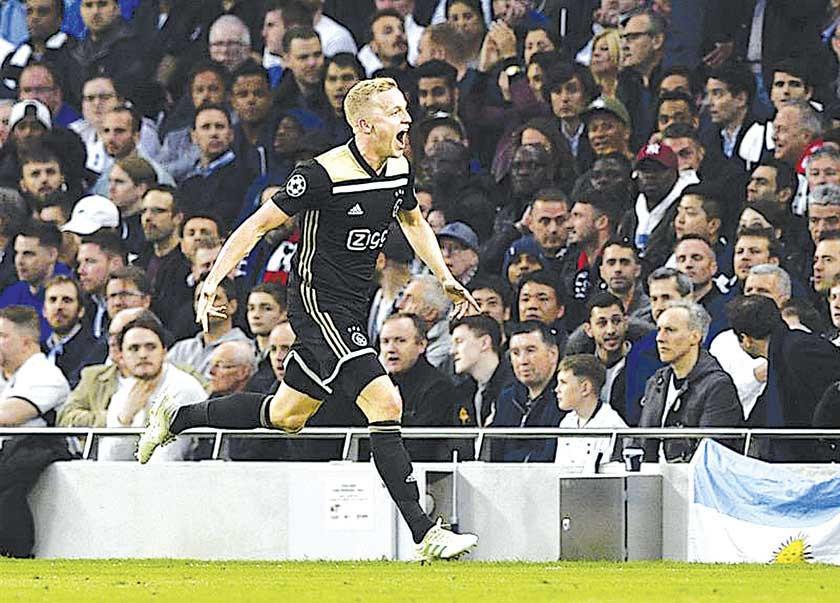 Ajax gana por la mínima diferencia a Tottenham