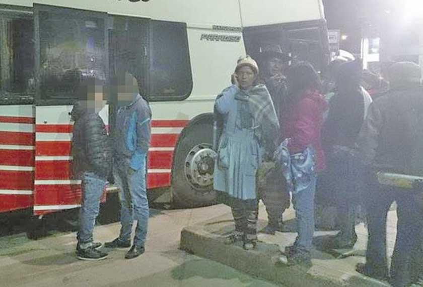 Policía frustra huida de dos adolescentes que pretendían viajar a La Paz