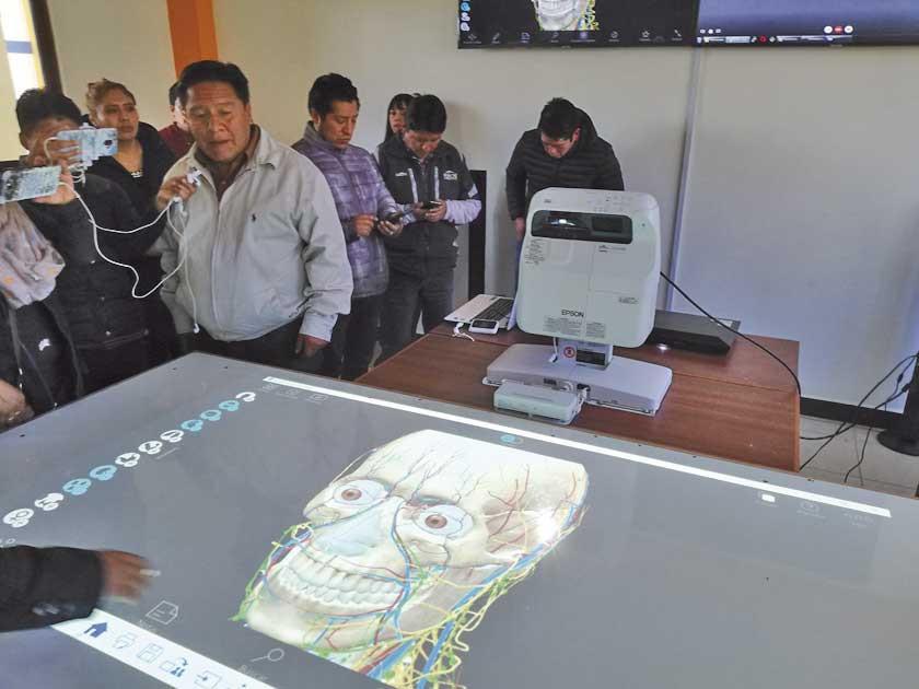 Inicia la era digital en Unidades Educativas del municipio local