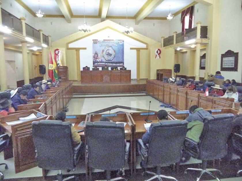 La Asamblea autoriza auditoría a proyecto caminero en el norte de Potosí