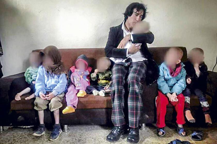 Abuelo chileno rescata a sus siete nietos de la guerra siria