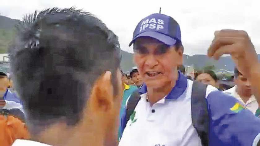 Militantes del MAS agreden a familiares que exigían justicia