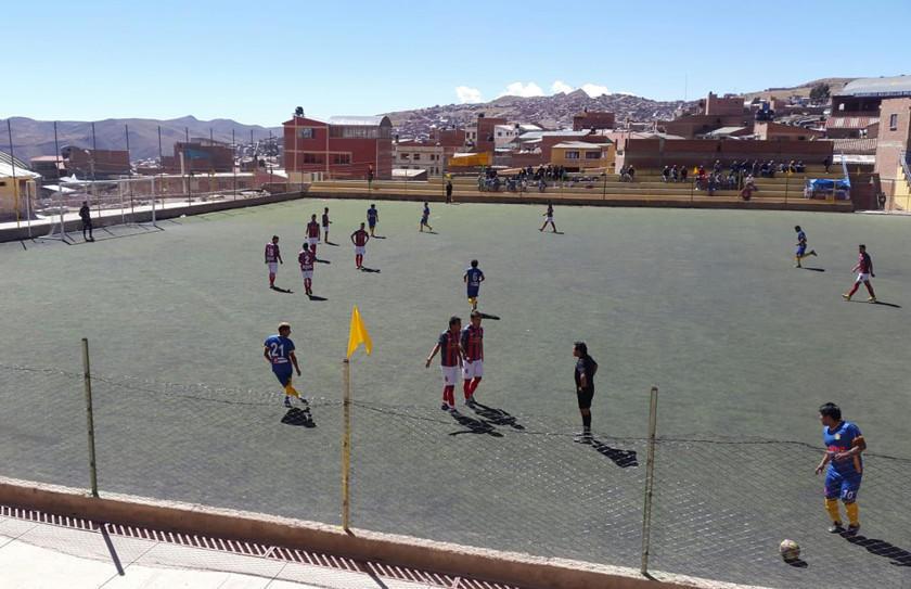 Rosario Central y Highland Players protagonizan un choque de coleros