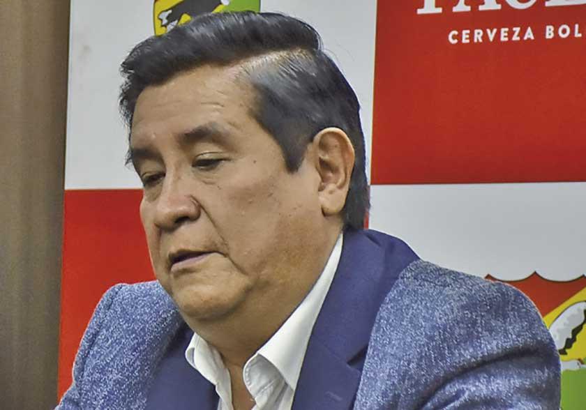 """Salinas: """"me emociona jugar ante el campeón"""""""