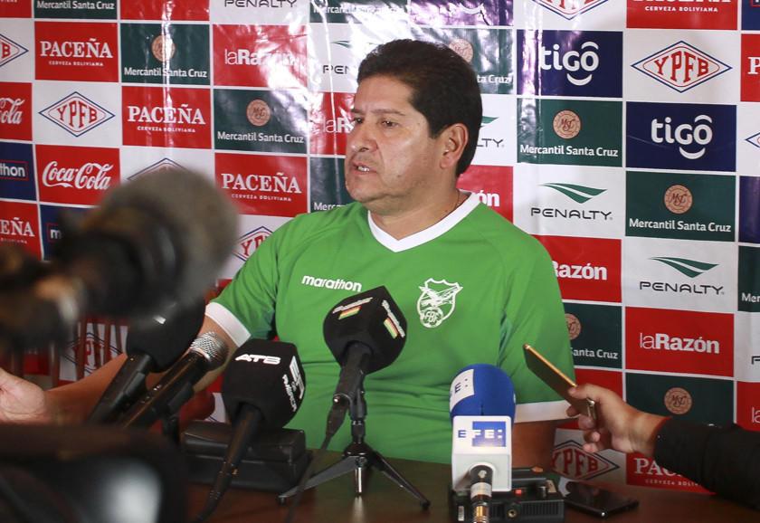 """Villegas: """"queremos mejorar nuestro nivel futbolístico"""""""