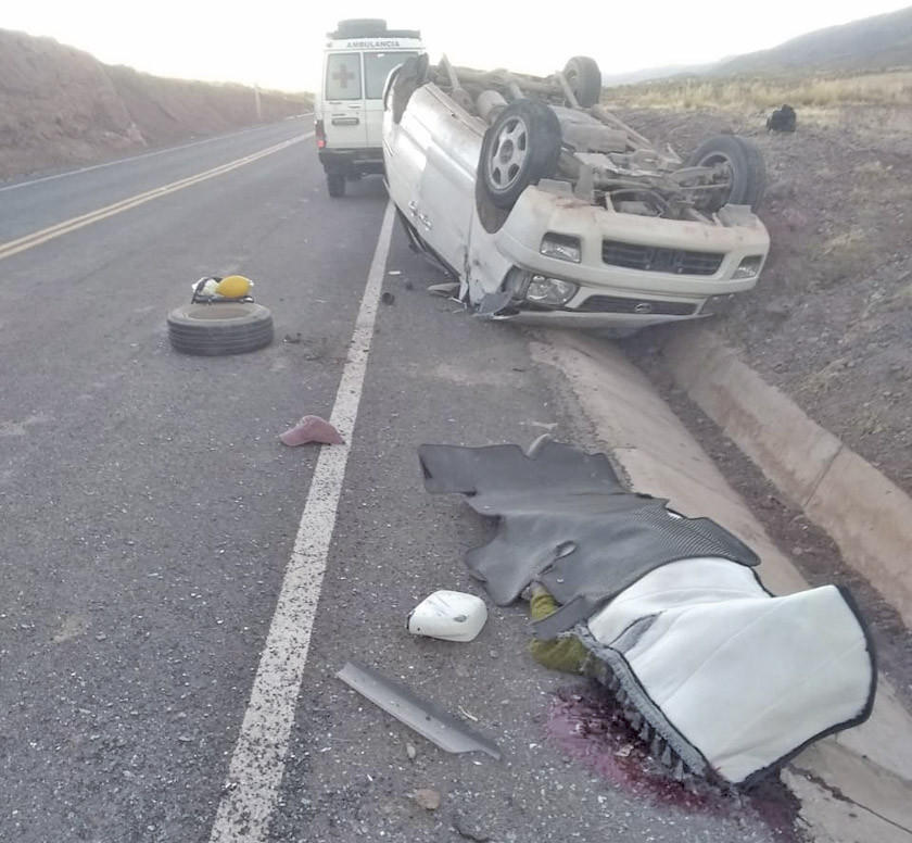 Chofer pierde la vida en un accidente vial en el norte potosino
