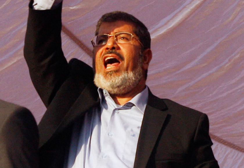 Muere el primer presidente elegido de Egipto luego de seis años aislado