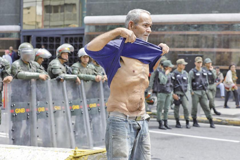 Fiscal le dice a Bachelet que la oposición provocó 77 asesinatos