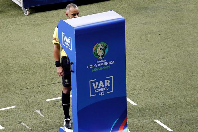 Conmebol dice que el VAR evitó escándalos de arbitraje