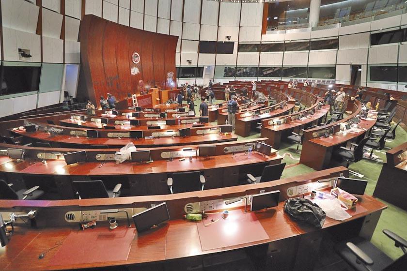 Detenidos por protestas en Hong Kong afrontan 10 años de cárcel
