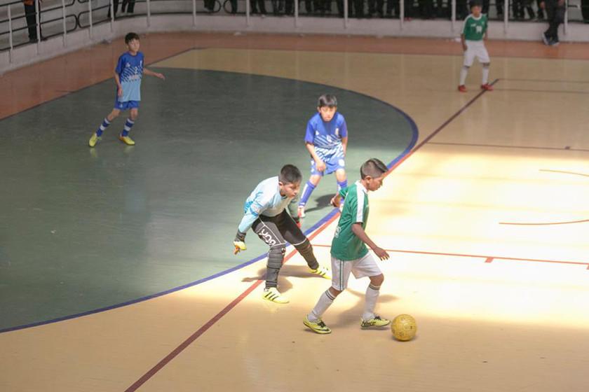 Diez equipos luchan por el título en el nacional de futsal