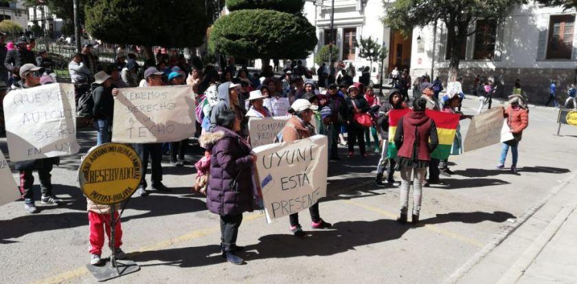 Pobladores de Uyuni inician movilizaciones reclamando su dinero