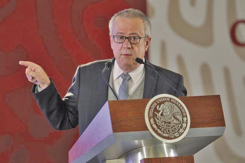 México: Renuncia ministro de Hacienda