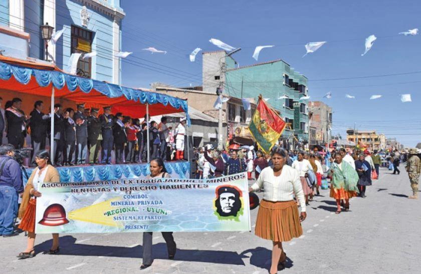 Uyuni celebra aniversario con la mira puesta en el turismo y el litio
