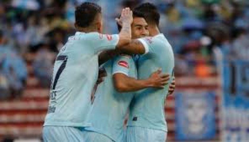 Bolívar perdía por dos goles, pero reaccionó y logró una sufrida victoria.