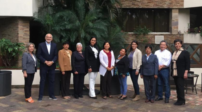 Mesa presenta candidatas a primeras senadoras: ocho profesionales y una indígena