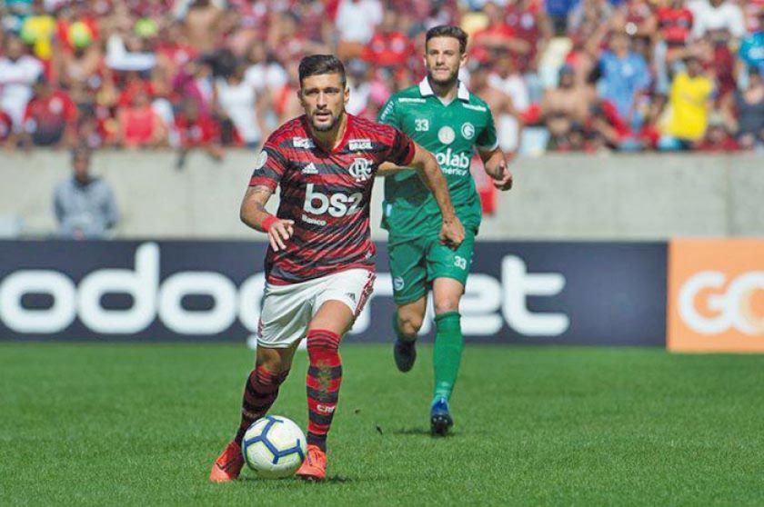 Flamengo se afianza en el segundo lugar