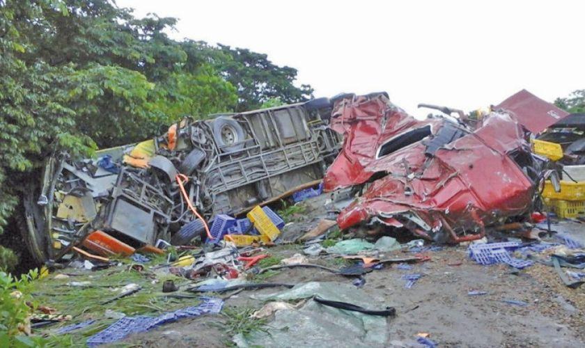 Un accidente en la ruta Cochabamba - Oruro deja cuatro fallecidas