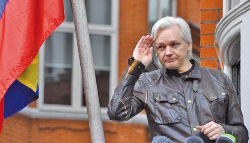 La habitación de Assange fue centro de espionaje, según Lenin Moreno