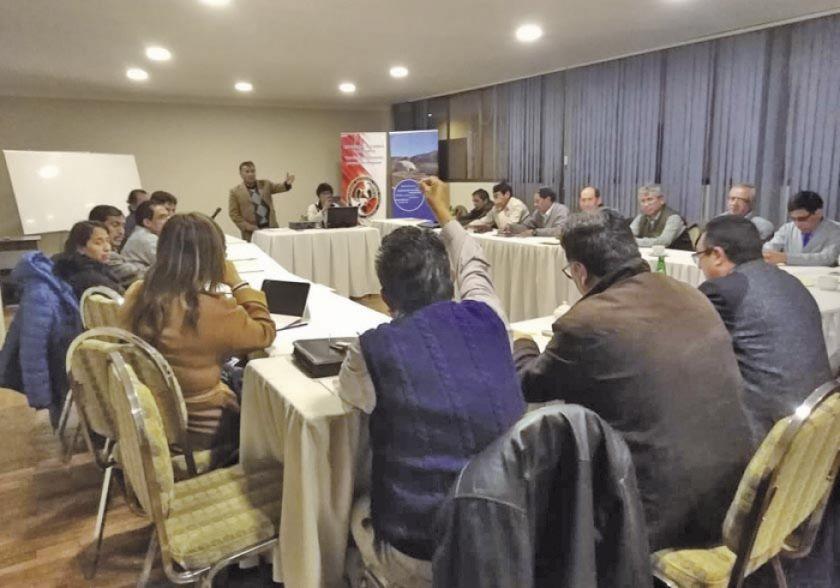 La UATF propone participar en la industrialización del litio