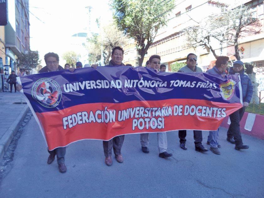 Docentes de la UATF piden conclusión del XIII congreso de universidades