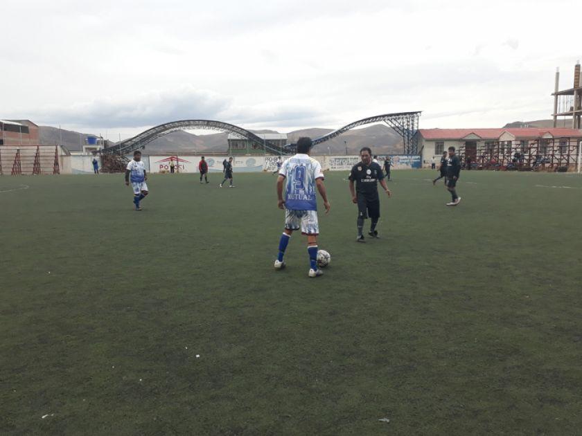 Highland Players y Atlético Pizarro se jugarán el último boleto para semifinales