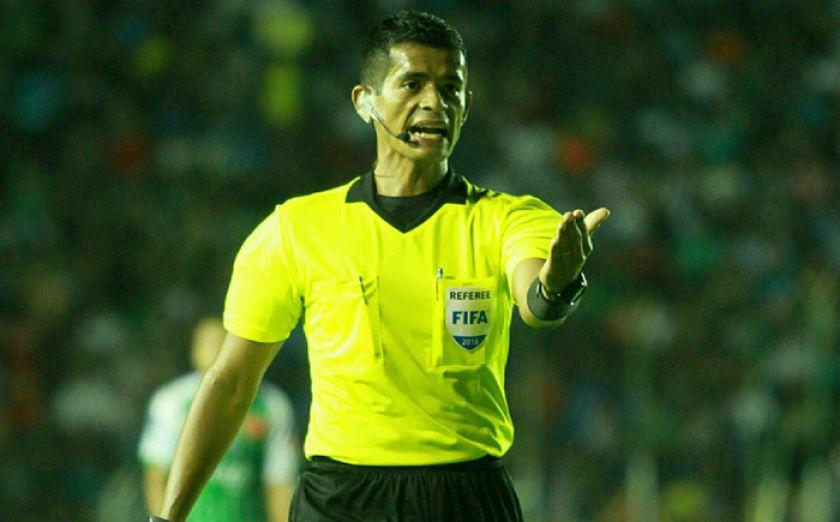 El árbitro Ivo Méndez fue designado para dirigir el clásico cruceño