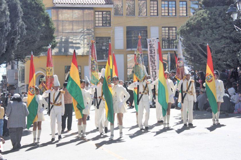 Actos por el aniversario patrio inician hoy con el desfile escolar
