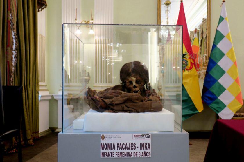 Momia de una niña inca vuelve a Bolivia de EE.UU.