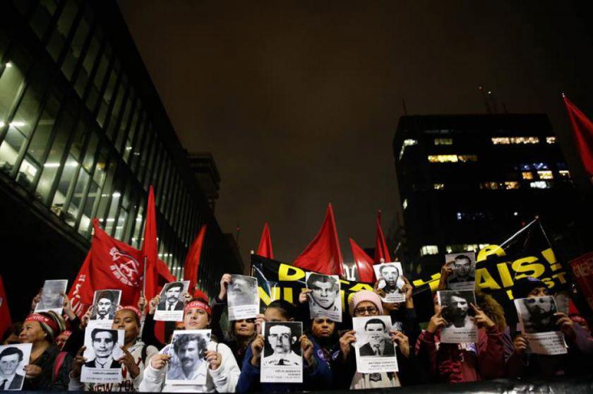 Protestan en Brasil por defensa de la dictadura