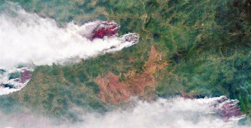 Arde Siberia a causa de un incendio descontrolado