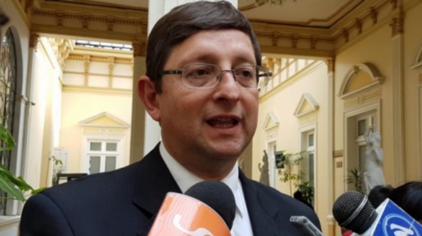 Ortiz confirma que no renunció al Senado, a pesar de los pedidos de cívicos y opositores