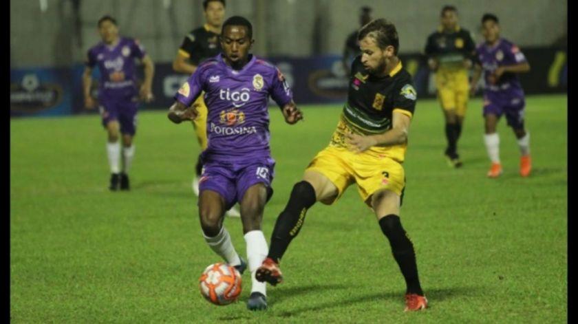 Real Potosí empató sobre el final del partido ante Destroyers