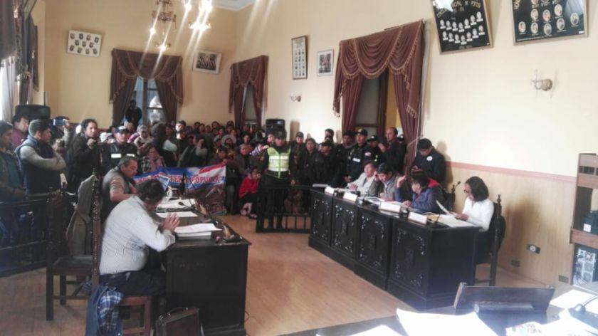 Concejo determina devolver al ejecutivo la solicitud de elevar a rango de ley el decreto de traslado de la feria