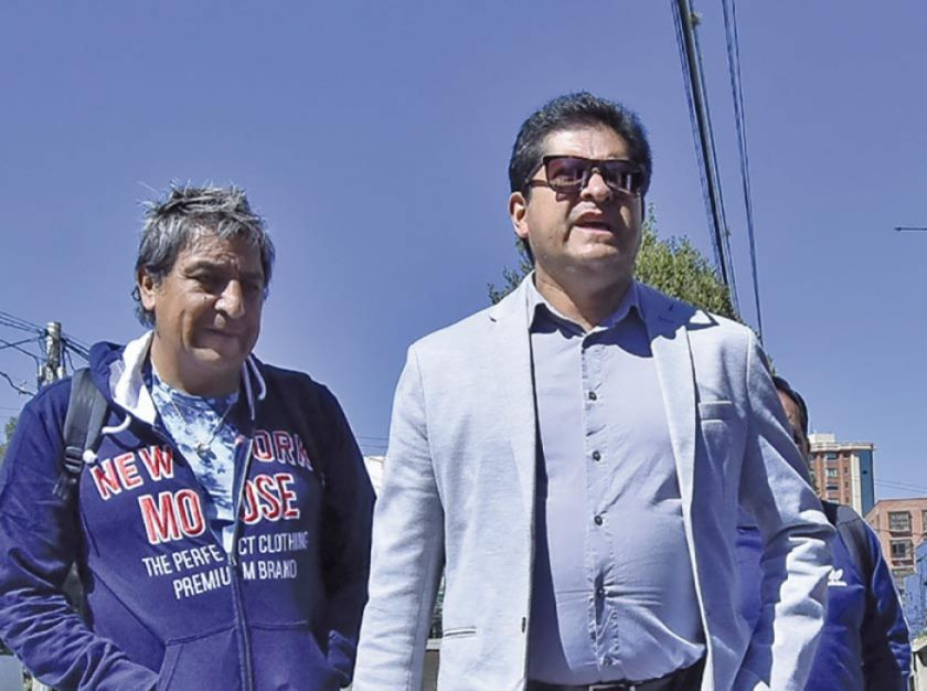 Villegas afirma que sigue al mando de la Verde