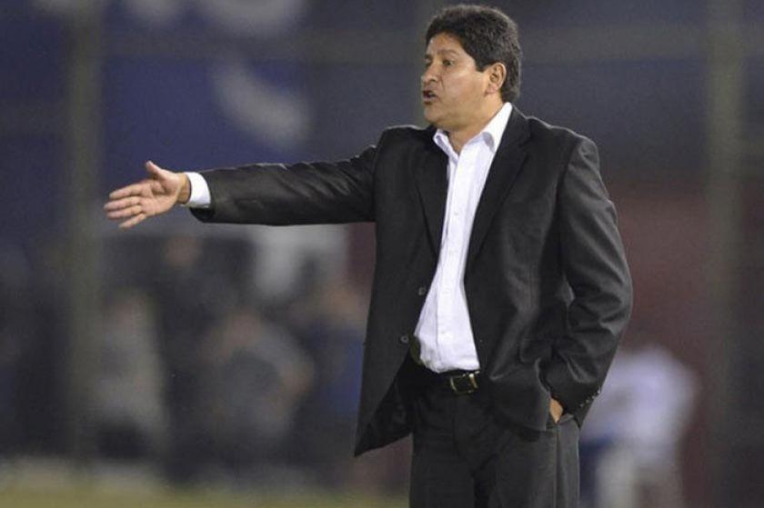 Eduardo Villegas deja de ser el técnico de la selección nacional