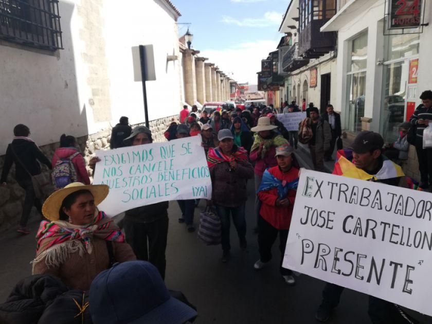 Inician caminata a La Paz para exigir su indemnización