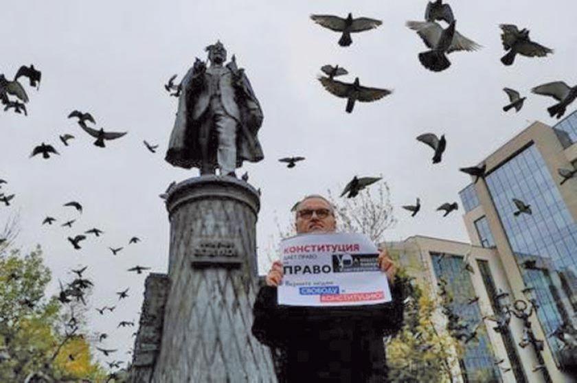 Oposición mantiene pulso contra Putin
