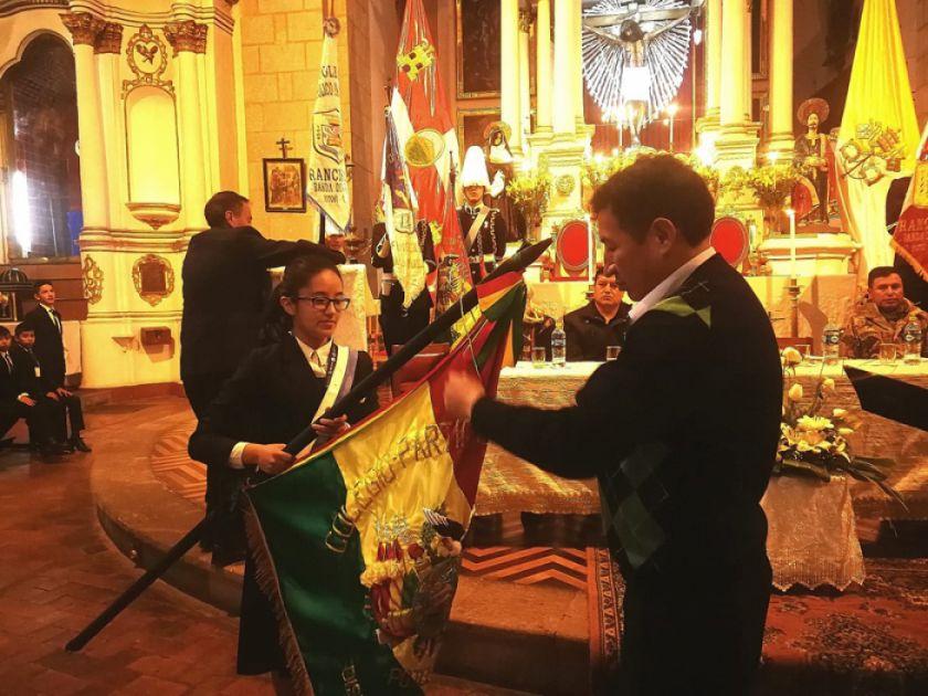 Colegio Franciscano recibe condecoración de Diputados