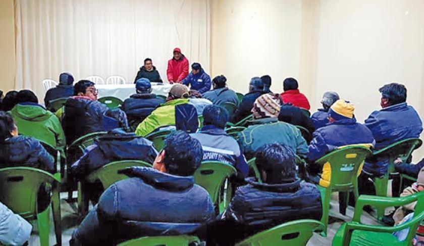 Piden renuncia de concejales de Uyuni o vecinos tomarán alcaldía