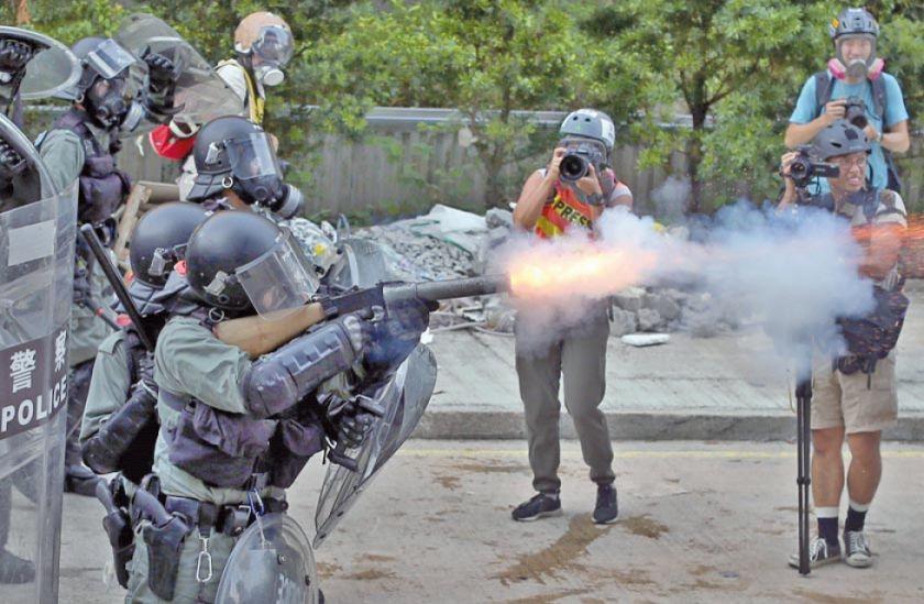 La tensión vuelve a las calles de Hong Kong en una nueva jornada