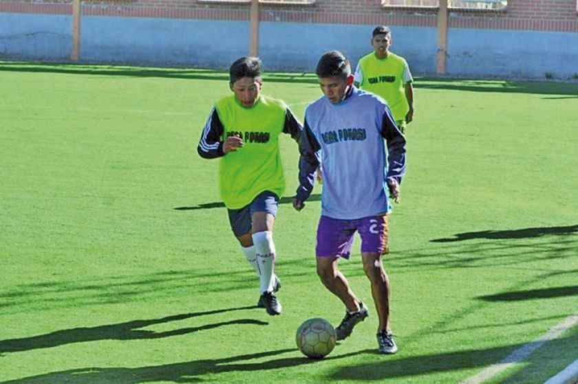 El equipo lila de reservas trabaja enfocado en el duelo ante Sport Boys