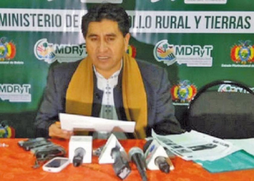 Barral acusa a Cocarico por tráfico de tierras