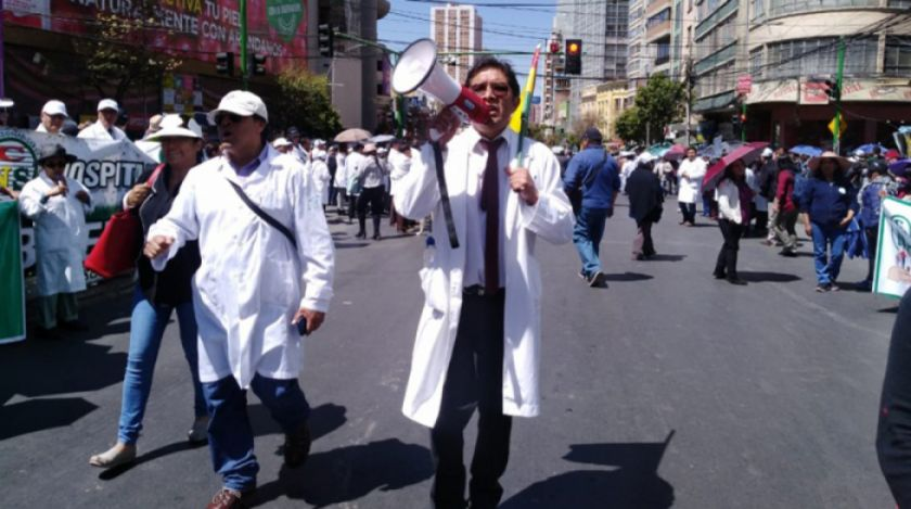 Médicos afirman que no levantarán el paro indefinido en el país