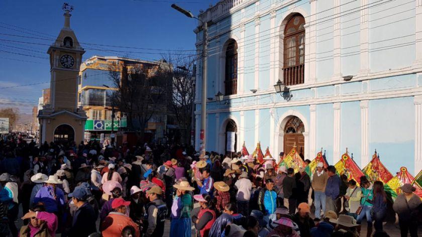 Uyuni advierte paro indefinido  y en Pocoata prosigue la vigilia