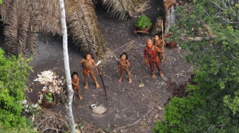Incendios ponen en alto riesgo de etnocidio a indígenas aislados