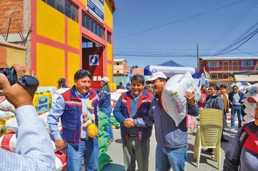 Entregan alimentos para internados de 25 municipios en el Departamento