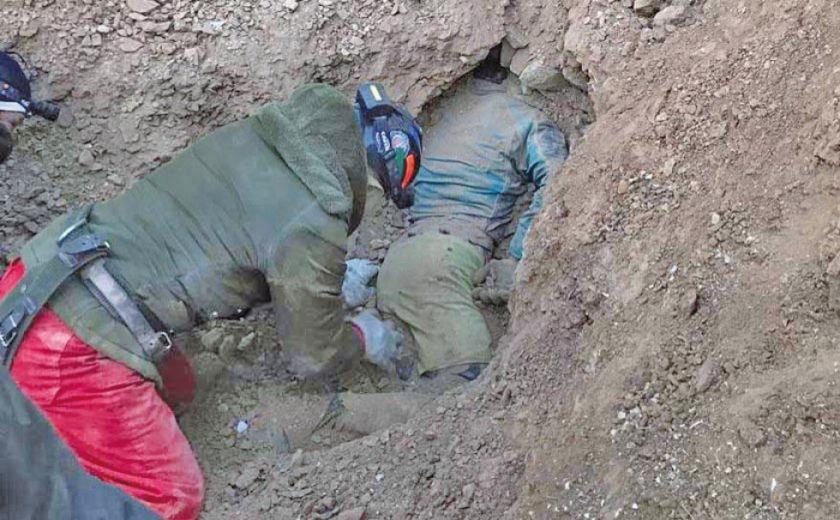 "Huanuni: rescatan a un ""jucu"" pero dicen que hay varios en interior mina"