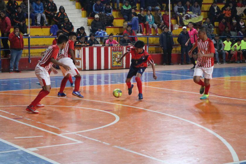 Potosí cae luchando y queda fuera del nacional de futsal